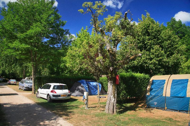 Camping le Champ d'Ayres ***