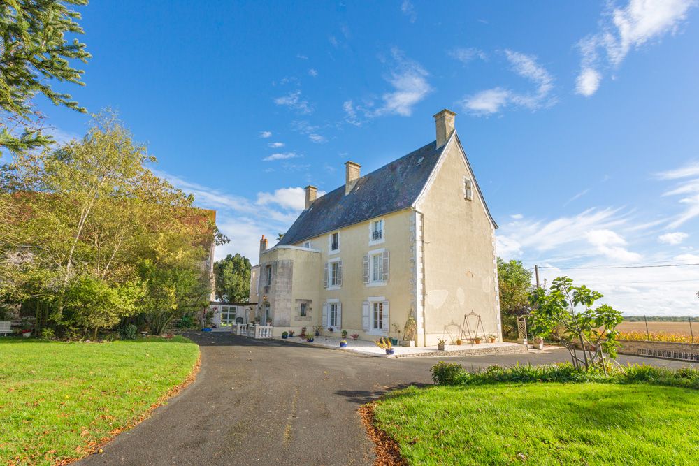 Chateau de Caillaud + Cottage
