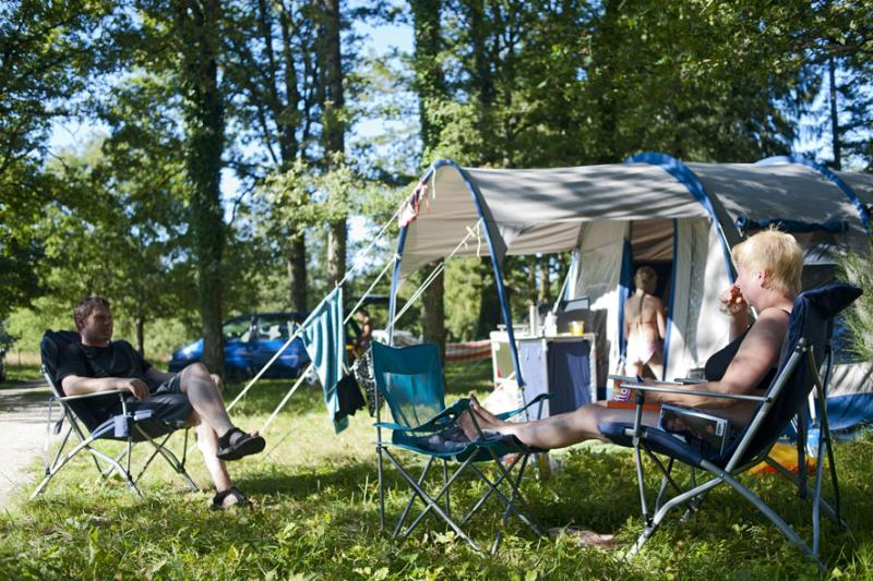 Camping Huttopia Les Châteaux 3*